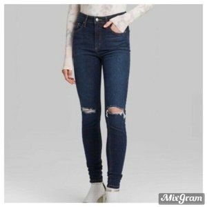 Wild Fable Distressed Skinny Jeans Size 8 NEW